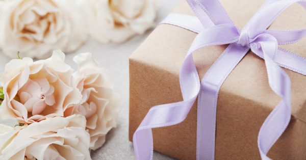 What to Spend on Wedding Gifts in 2019